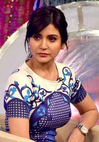 Anushka_Sharma_at_%22OUR_GIRL_OUR_PRIDE%22_fundraiser