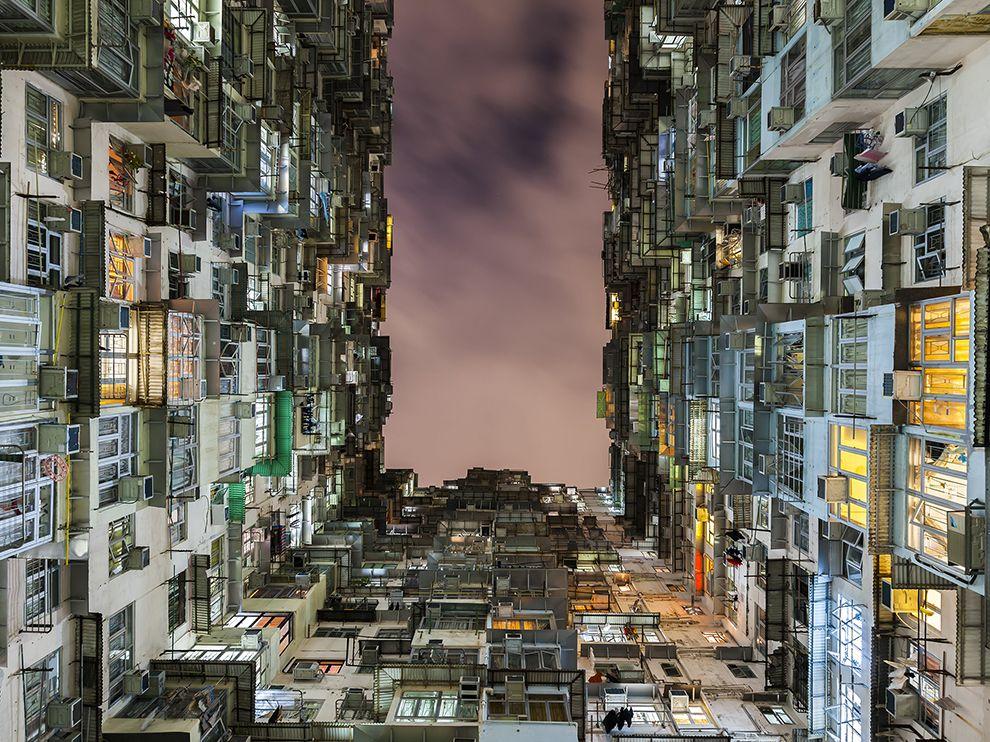 hong-kong-architecture-night_79790_990x742